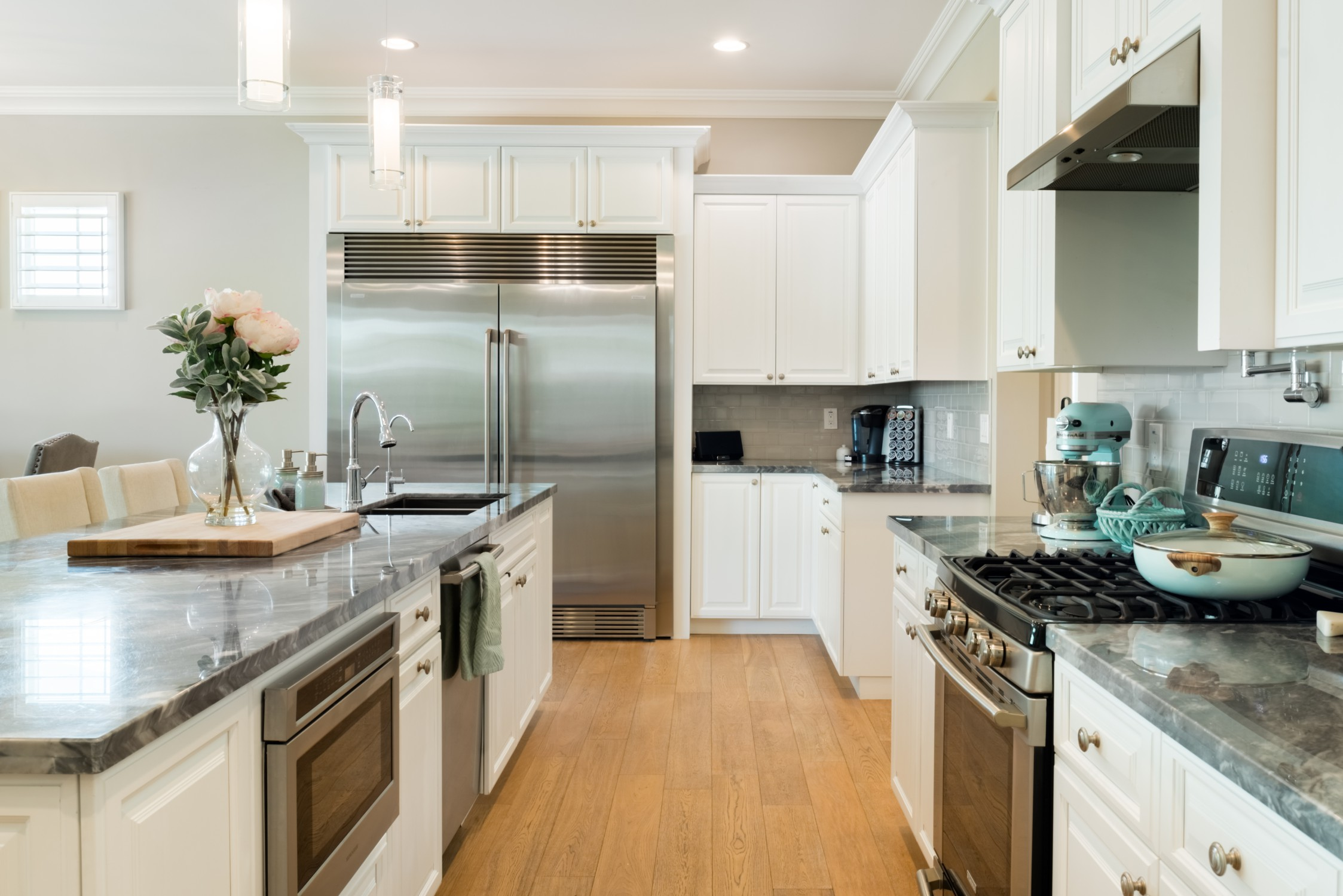 Gorgeous New Cottage Style Home with Pool near Old Town