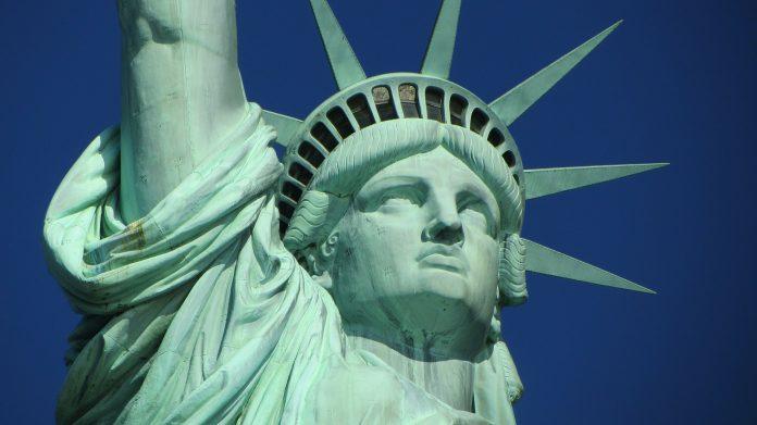 statue of liberty 267948 1920