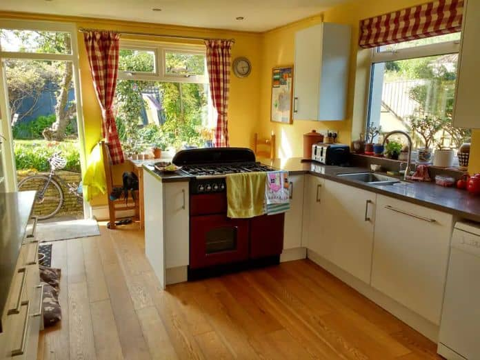 Airbnb Bristol Large family home