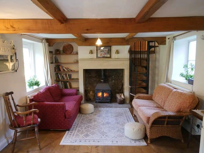 Airbnb Bristol Lovely country cottage