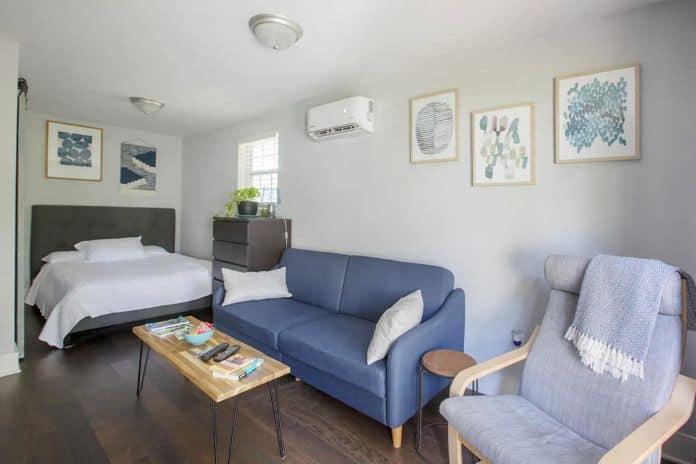Airbnb Charleston Cottage Under the Oaks