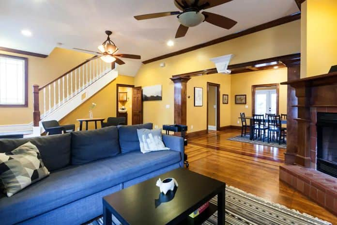 Airbnb Jacksonville Spacious 3 BR house