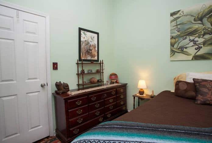 Airbnb Savannah GA Digs on Duffy B