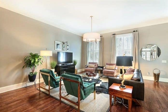 Airbnb Savannah GA Stayloom's Manicured Home