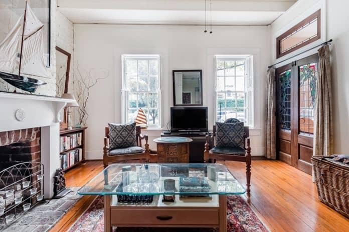 Airbnb Savannah GA Sunny Apartment