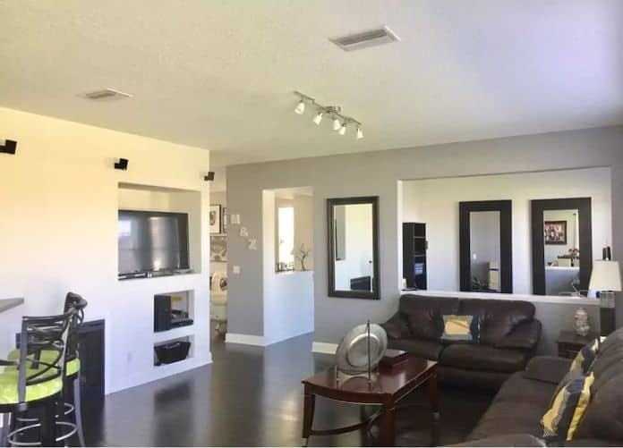 Airbnb Tampa Amazing home