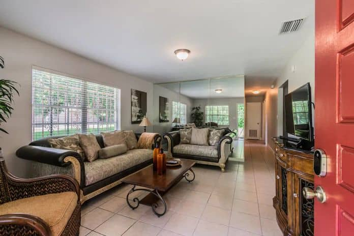 Airbnb Tampa Beautifully Updated