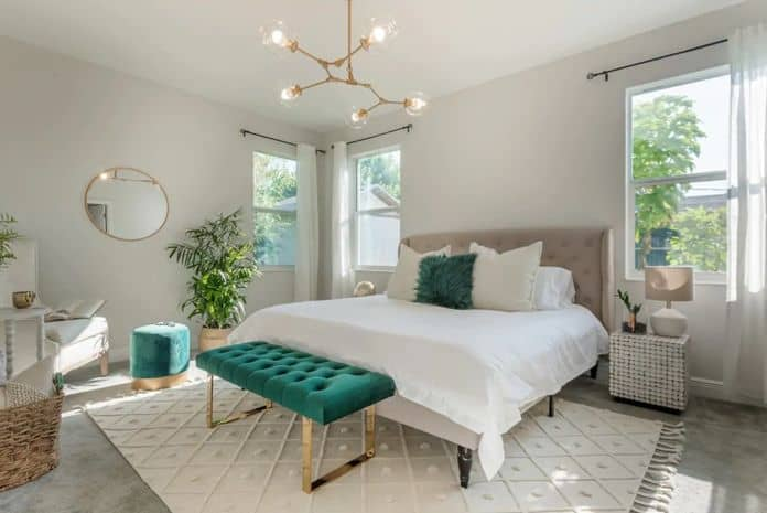 Airbnb Tampa Chic Family Home
