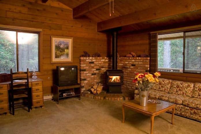 Airbnb Yosemite Quail Cottage