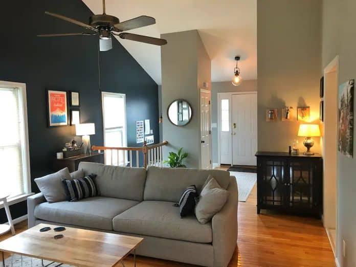 Airbnb Charlottesville Comfortable mid century