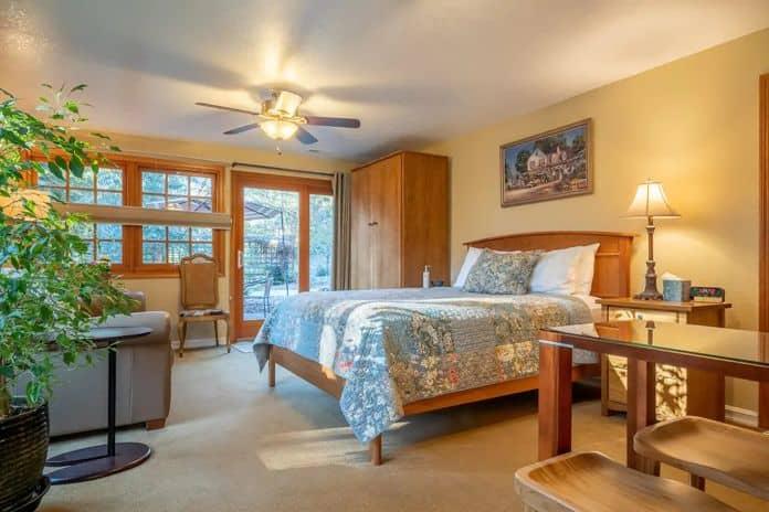 Airbnb Corvallis Garden View Suite