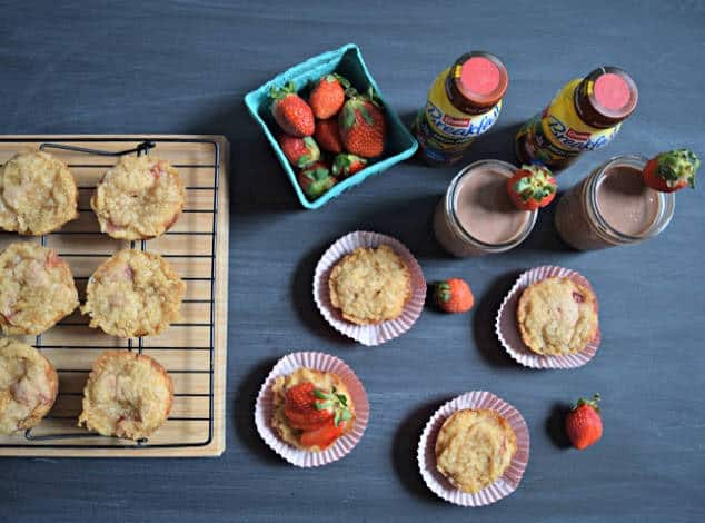 strawberry crumble breakfast muffin 6