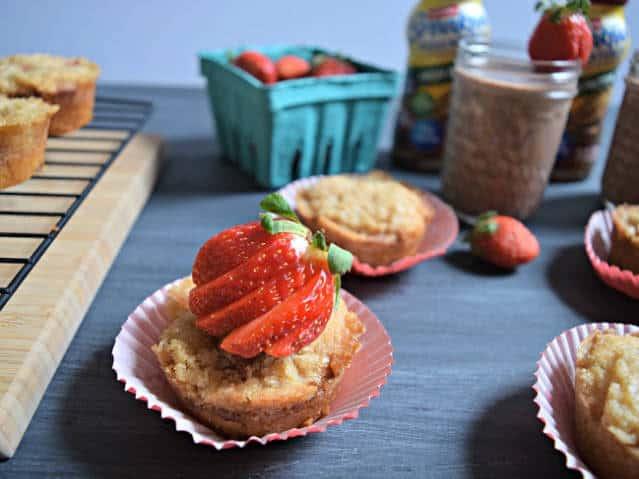 strawberry crumble breakfast muffin 7