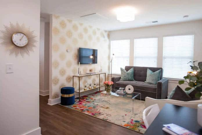 Airbnb Charlotte ♕Queen City Flat