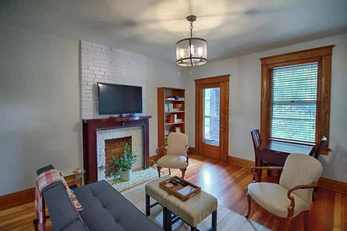 Airbnb Cincinnati Clifton Gaslight