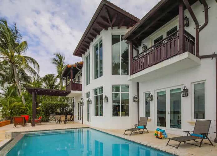 Airbnb Florida Waterfront Villa