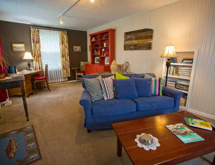 Airbnb Tacoma Suburban Farm House