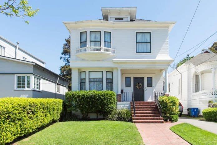Airbnb Berkeley Historic Alameda Home