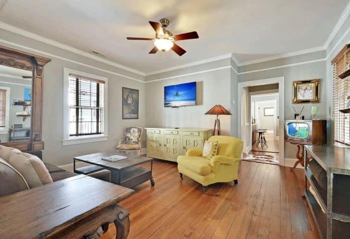 Airbnb Charleston The Redwood Suite
