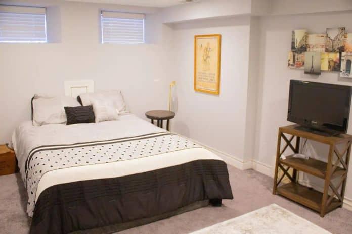 Airbnb Chicago The Paris Room in Logan Square