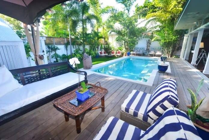 Airbnb Key West Blu On White
