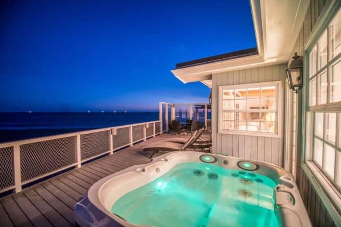 Airbnb Santa Barbara Direct access to beach