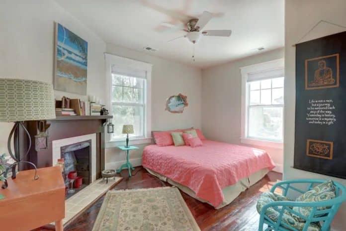 Airbnb Savannah pet Renovated 1900s Street