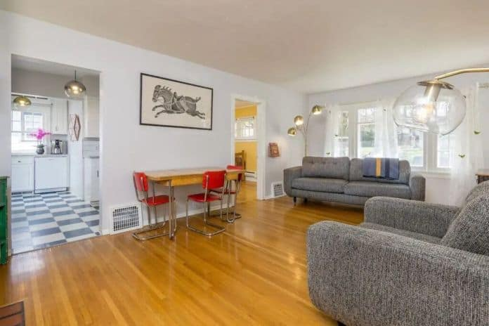 Airbnb Spokane Tree Lined Historic
