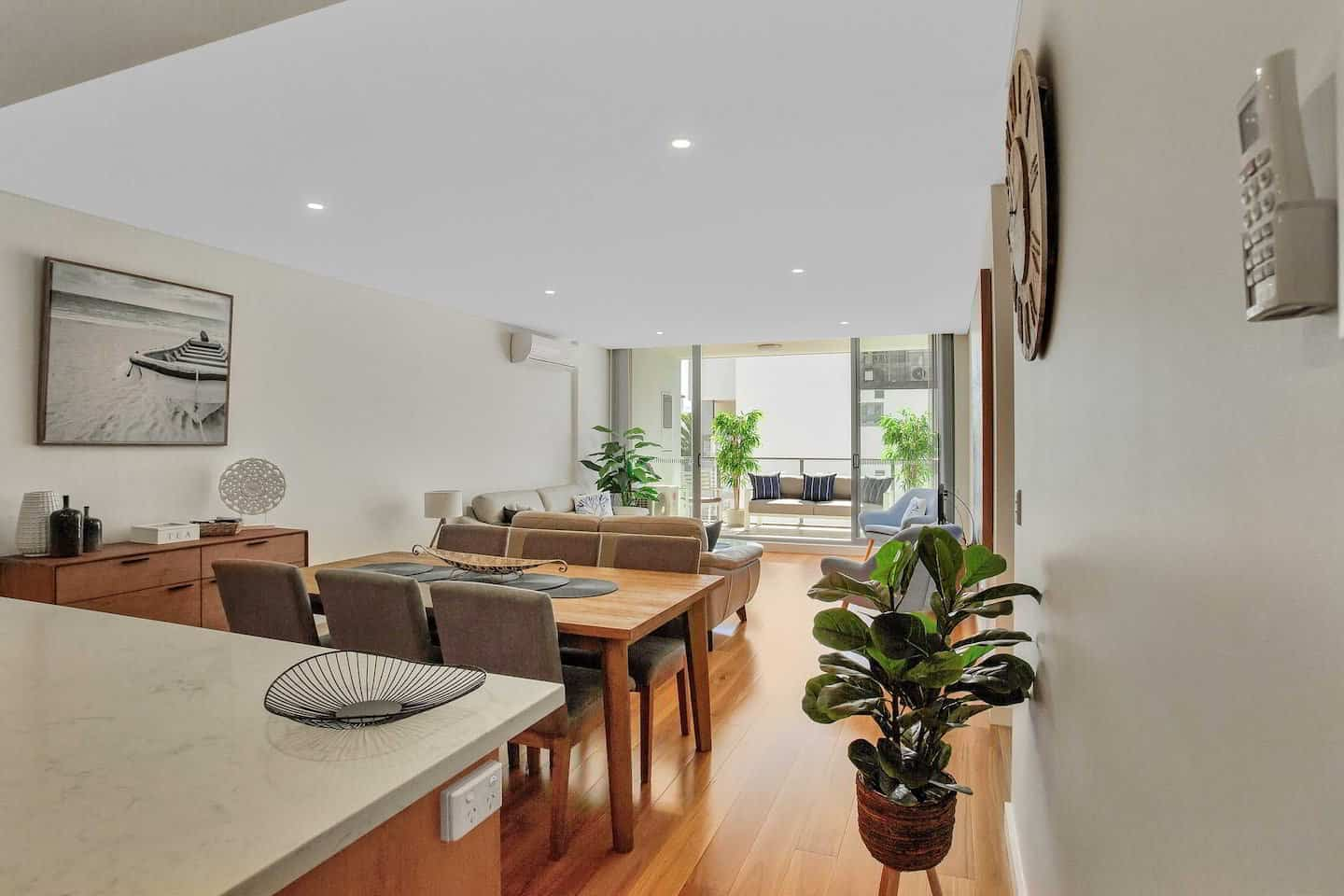 Photo of a top airbnb terrigal titled: Beach, Ice Cream and Cafes on every corner ! relevant to terrigal holiday rental accomodation