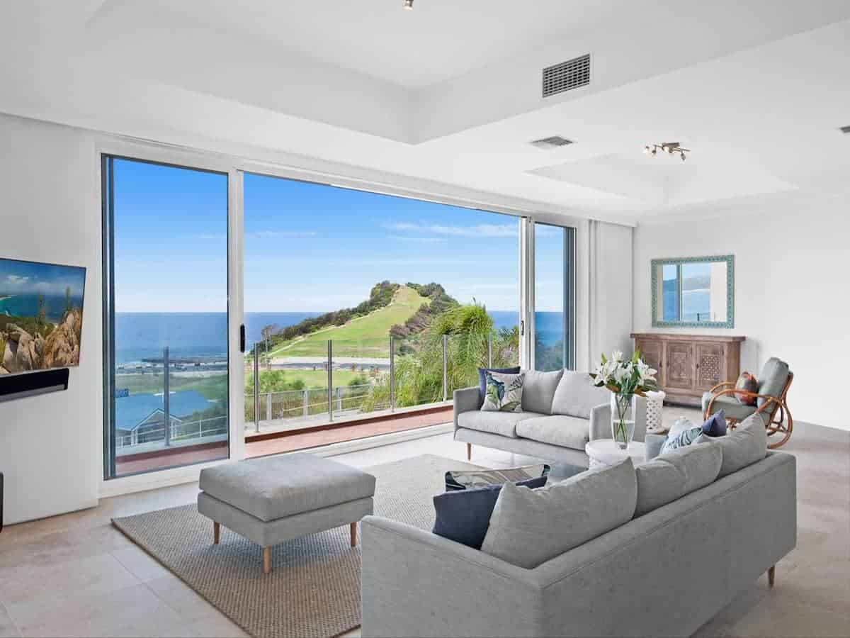 Photo of a top airbnb terrigal titled: LUXE TERRIGAL APARTMENT WITH SPECTACULAR VIEWS relevant to terrigal holiday rental accomodation